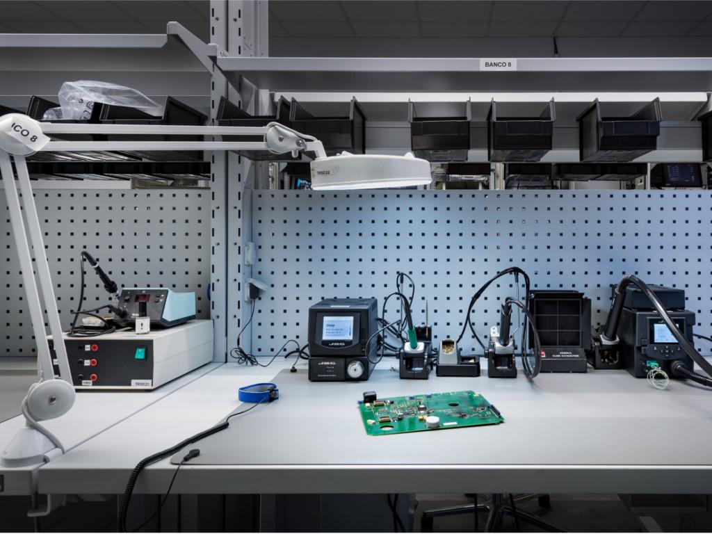 Reparación de componentes electrónicos